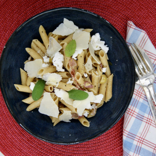 One-pot pâtes à la pancetta, sauge et ricotta