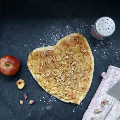 Tarte aux roses de pommes de Saint Valentin